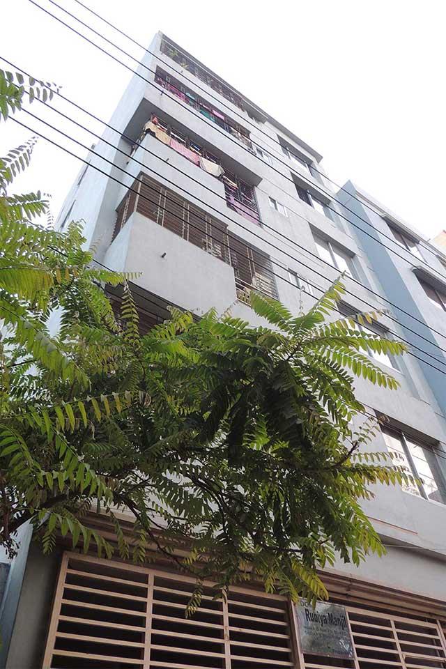 Rubaiya Manzil     Mirpur-13